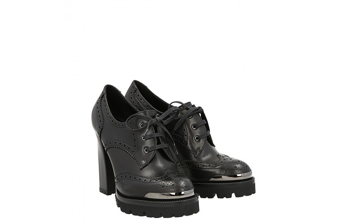 Lace up top simon shoe