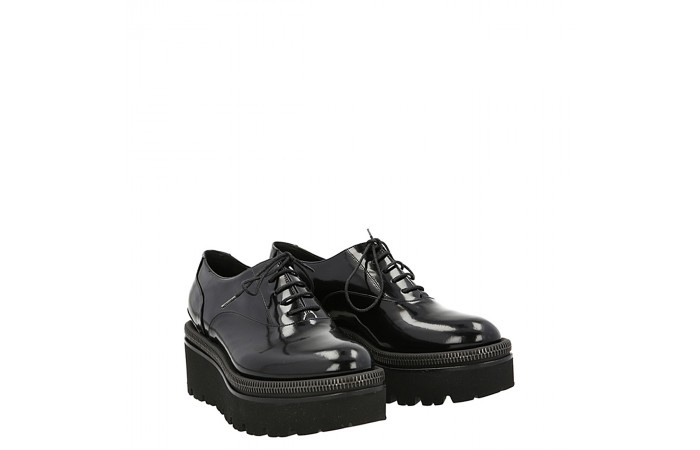Creepers lace up glade