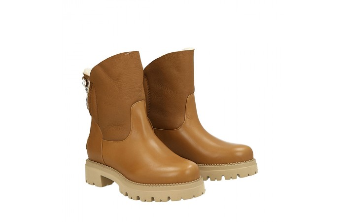 Pale brown calfskin Laia snow boots