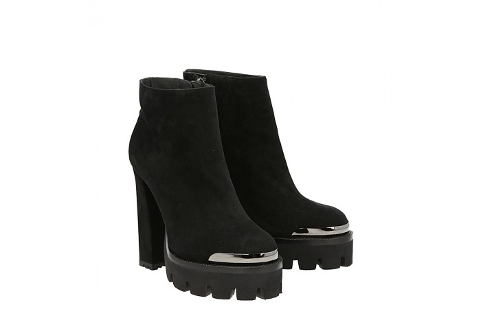 Top rider ankle boot black suede