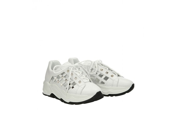 Studded white Roundup sneakers