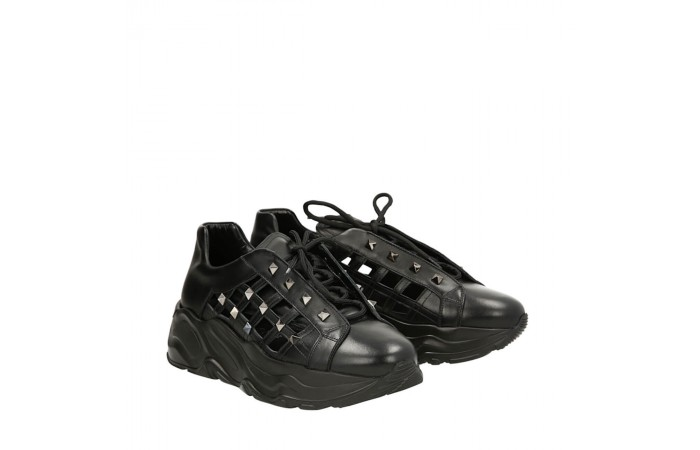 Studded black Roundup sneakers