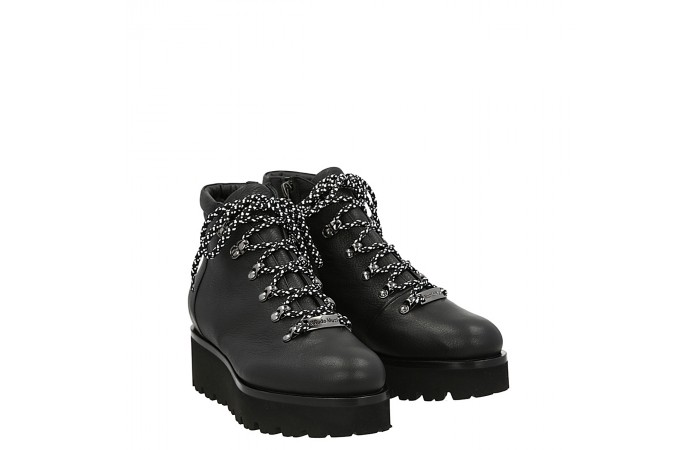 Lace up college creepers